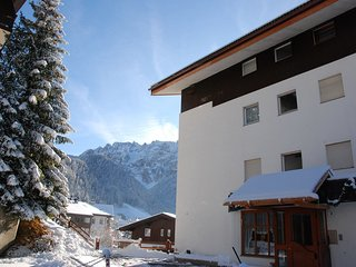 Comfortable Condo with Television and Balcony - Selva Di Val Gardena vacation rentals