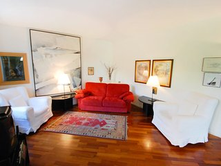 Bright Condo with Television and Microwave - Merano vacation rentals