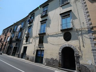 2 bedroom Apartment with Balcony in Sorrento - Sorrento vacation rentals