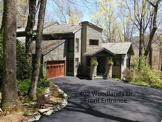 Linville Ridge Townhome, Grandfather Mtn. View, Close to Slopes - Linville vacation rentals