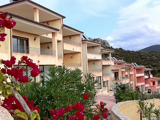 Nice Condo with A/C and Shared Outdoor Pool - Trinita d'Agultu e Vignola vacation rentals