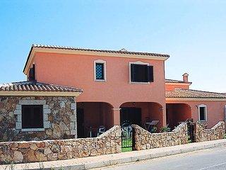 Cozy San Teodoro Condo rental with Television - San Teodoro vacation rentals