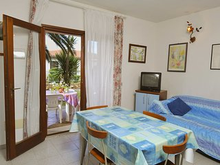 Comfortable Condo with Television and Balcony - San Teodoro vacation rentals