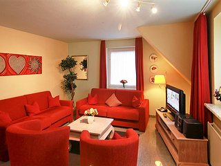 Elegant apartment on the island Sylt with heating and garden - Tinnum vacation rentals
