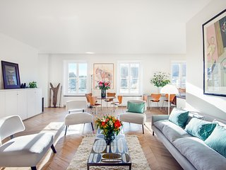 Saint Germain Chic and Trendy Three Bedroom - Paris vacation rentals
