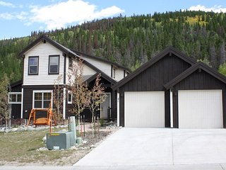 Lovely New Home, Luxury in a Quiet Neighborhood for the Whole Family - Breckenridge vacation rentals