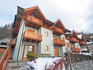 Nice Condo with Internet Access and Balcony - Pinzolo vacation rentals
