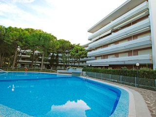 Nice Condo with A/C and Shared Outdoor Pool - Lignano Riviera vacation rentals