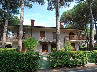 Bright Lignano Riviera Condo rental with A/C - Lignano Riviera vacation rentals