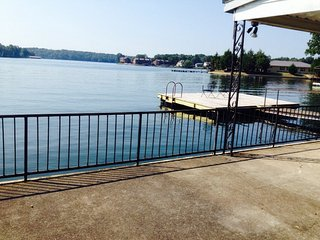 Burna Vista Resort Condo Suite Bedroom - Lake Hamilton vacation rentals