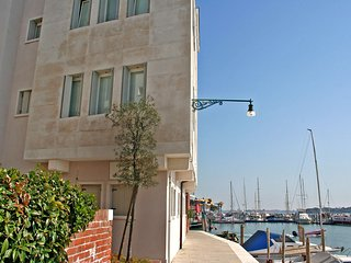 Beautiful Condo with Internet Access and A/C - San Nicolo vacation rentals