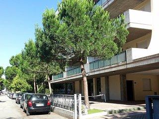 Sunny 1 bedroom Apartment in Milano Marittima with Internet Access - Milano Marittima vacation rentals