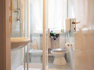 Romantic 1 bedroom Rimini Apartment with Internet Access - Rimini vacation rentals