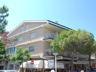 Comfortable 1 bedroom Condo in Cattolica with A/C - Cattolica vacation rentals