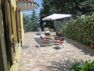 2 bedroom Apartment with Internet Access in Urbino - Urbino vacation rentals