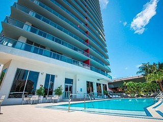 Brand new Luxury Condo for 8 with stunning views! Unit 802R - Hallandale vacation rentals
