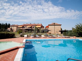 Cozy 2 bedroom Montaione Apartment with Internet Access - Montaione vacation rentals