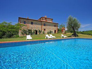 Nice Condo with Fireplace and Shared Outdoor Pool - Castelnuovo Berardenga vacation rentals