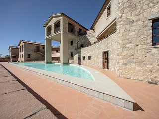 Comfortable 2 bedroom Gaiole in Chianti House with Internet Access - Gaiole in Chianti vacation rentals