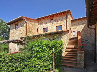 2 bedroom Condo with Shared Outdoor Pool in Gaiole in Chianti - Gaiole in Chianti vacation rentals