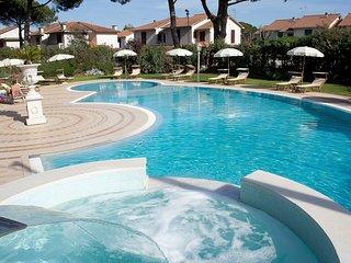 Nice Condo with Internet Access and A/C - Vada vacation rentals