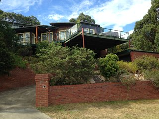 Peace and Tranquility with an Ocean View - Lakes Entrance vacation rentals