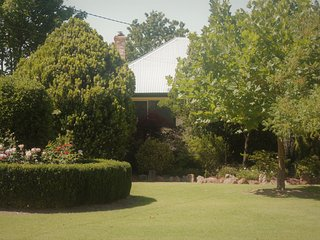 Perfect 3 bedroom Vacation Rental in Stanthorpe - Stanthorpe vacation rentals