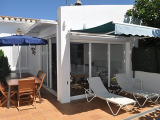 Nice House with Television and Microwave - L'Escala vacation rentals