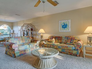 Gorgeous townhome w/ shared pool, close to beaches/activities, snowbirds welcome - Panama City Beach vacation rentals