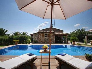 2 bedroom Villa in Selva, Mallorca : ref 4135 - Binibona vacation rentals