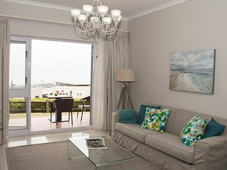 Brooks Hill apartment with majestic sea views - Summerstrand vacation rentals