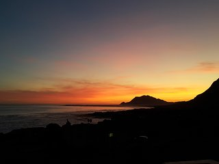 Vaya con Dios - 360° unspoilt mountain and sea views nestled in pristine fynbos - Betty's Bay vacation rentals