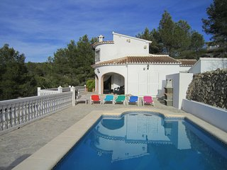 Beautiful 3 bedroom villa with pool, very scenic surrounds, paradise! - Lliber vacation rentals