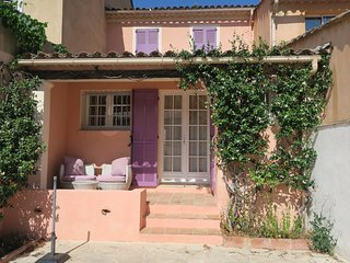 Warm, cost home in lovely village of Provence - La Mole vacation rentals