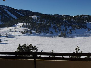 Right in front of the snow slopes – Warm apartment – Wi-fi – 2 bedrooms - Greolieres vacation rentals