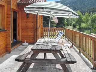 Unique chalet close to La Bresse with garden and patio - 3 bedrooms for up to 6 - La Bresse vacation rentals