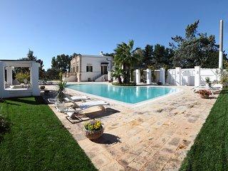 VILLA FAVORITA XIX cen. with scenic pool - Monopoli vacation rentals