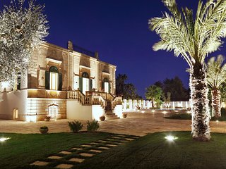 VILLA FAVORITA XIX cen. with scenic pool - Monopoli vacation rentals