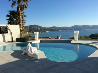 Villa with 4 rooms in Sainte-Maxime, with wonderful sea view, private pool, enclosed garden - Saint-Maxime vacation rentals