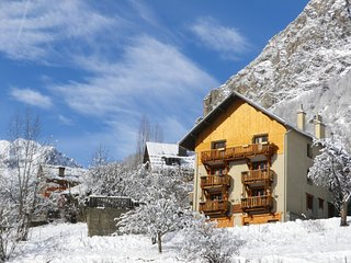 Le Ferraret - Apartment with 4 rooms in Venosc, with mountain view, terrace - 20 minutes from 2 Alpes ski station! - Vénosc vacation rentals