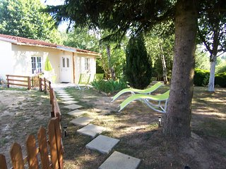 Sécotine - House with 2 rooms in Lapeyrouse, with wonderful lake view, enclosed garden and WiFi - 80 km from the slopes - Lapeyrouse vacation rentals