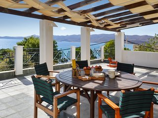 Spacious, 4-bedroom apartment in Karistos, Central Greece with a furnished terrace and sea views! - Karystos vacation rentals