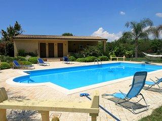 Bright 4 bedroom House in Marinella di Selinunte - Marinella di Selinunte vacation rentals