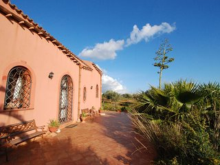 Nice House with Internet Access and Balcony - Menfi vacation rentals