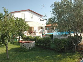 Bright 4 bedroom Fontane Bianche House with Internet Access - Fontane Bianche vacation rentals