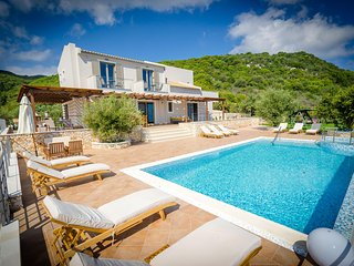 5 bedrooms Villa in Skinaria, with wonderful sea view, private pool and enclosed garden - 3 km from the beach - Skinaria vacation rentals