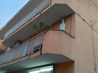 Comfortable Condo with Television and DVD Player - Falcone vacation rentals