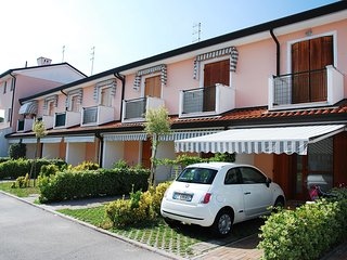 Cozy 2 bedroom House in Rosolina with Internet Access - Rosolina vacation rentals