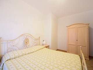 Bright Apartment in Torre Pedrera with Internet Access, sleeps 6 - Torre Pedrera vacation rentals