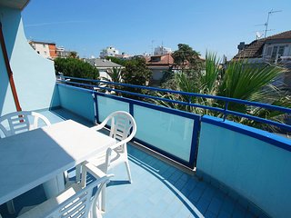 Charming Apartment in San Benedetto Del Tronto with Internet Access, sleeps 4 - San Benedetto Del Tronto vacation rentals